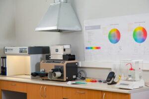 Лаборатория красок
